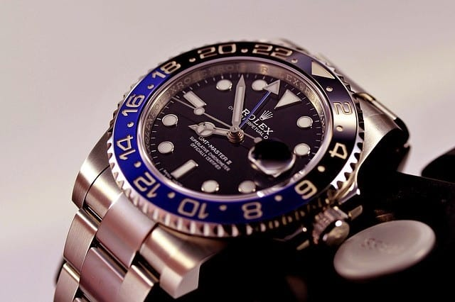 reloj de lujo con cronografo